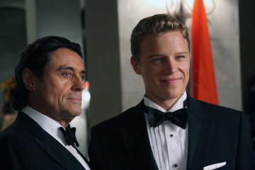 Ian Mcshane and Chris Egan as King Silas and David Shepard